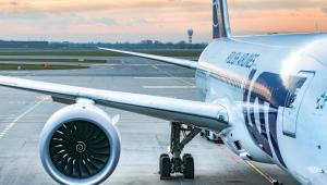 Rzecznik LOT-u zapewnił w poniedziałek, że pasażerowie otrzymali od przewoźnika zakwaterowanie w hotelu na czas oczekiwania na podróż do Warszawy.