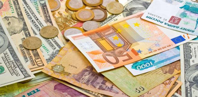 Na rynku nasiliły się w ostatnim czasie oczekiwania na zdecydowanie działania ze strony politycznych i monetarnych decydentów w Europie.