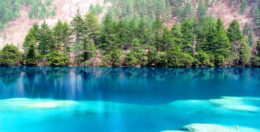 Jezioro Kryształowe w Chinach fot.flickr/gill_penny