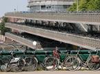 <b>Miejsce 10. Holandia-dochód na osobę: $40,973 </b><br /> Na zdjęciu parking dla rowerów przy Centraal Station w Amsterdamie, autor: Airbete, licencja: GNU 1.2