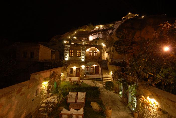 Traveller's Cave Hotel w Turcji kwateruje swoich gości w pokojach wykutych w skale